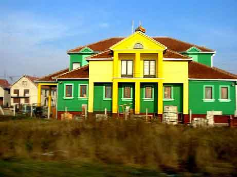 greenyellowhouse